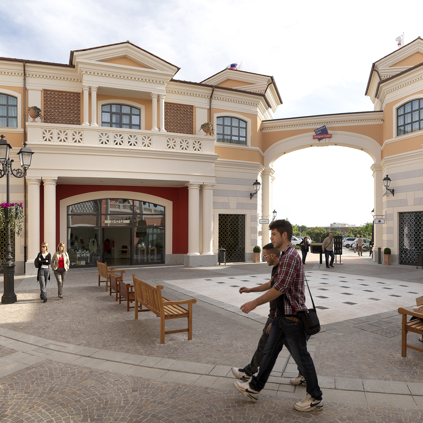 Designer Outlet Center Castel Romano, Rome